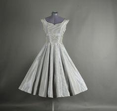 Vintage 1950s Dress full skirt gingham taffeta by NodtoModvintage, $94.00