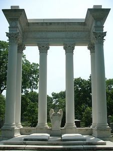 mrice How to Make Cardboard Greek Columns From Rug Cylinders Roman Columns, Marble Columns, Wedding Pillars, Greek Plays, Greek Decor, Toga Party, Stage Design, Set Design, Greek Gods