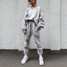 Women's Individuality Loose Pure Colour Suit – urperfitYou can find Sweatpants outfit and more on our website. Legging Outfits, Cute Sweatpants Outfit, Athleisure Outfits, Sweatpants Style, Sweatshirt Outfit, Fashion Sweatpants, How To Wear Sweatpants, Loungewear Outfits, Cute Lazy Outfits