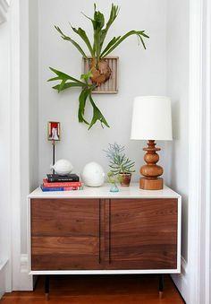 Decoração de: Detalhes; mini estrado de madeira para planta; Casa de Valentina