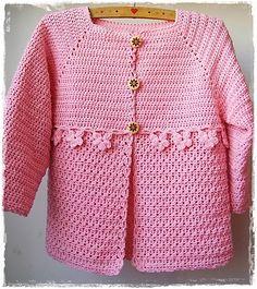 Chorrilho de ideias: Casaco menina cor de rosa em crochet
