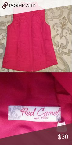 Red Camel vest Red Camel red puffer vest is a size S and is in excellent condition. Red Camel Jackets & Coats Vests