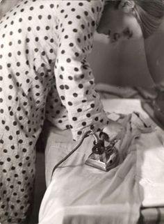 Marianne Breslauer. Freizeit eines arbeitenden Mädchens, 1933