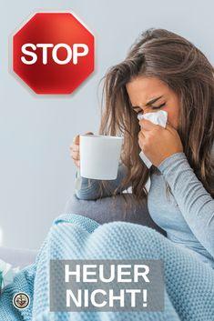 Herbstzeit ist Erkältungszeit. Die Nase rinnt, das Auge tropft - wir zeigen Ihnen, wie Sie dem Temperaturwechsel ein Schnippchen schlagen und heuer mit Earthing® entgegensteuern. Egal ob Sie der Verkühlung vorbeugen, erste Erkältungsanzeichen abwenden oder letztlich heilen wollen - Earthing® ist der natürlichste Entzündungshemmer überhaupt. Klicken Sie auf den Link und holen Sie sich jetzt Ihr kostenloses Earthing®-Booklet mit hilfreichen Tipps und Anwendungen für zuhause. Helpful Tips, Sleep, Eye, Don't Care, Healthy Food