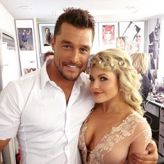 Pre-show pic with @witneycarson! @DancingABC starts in 5 minutes, RT if you'll be watching! #dwts #souleshakers