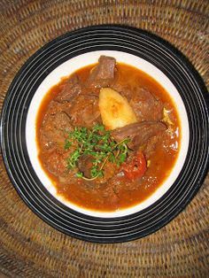 Namibian Venison Pot Recipe is made with a saucy rhogan josh (curry) base Aboriginal Food, South African Recipes, Ethnic Recipes, Venison Meat, Restaurant Blog, How To Peel Tomatoes, Fresh Fruits And Vegetables, Pot Recipe, World Recipes