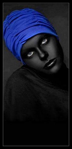 ╭⊰✿Blanco negro y....✿⊱╮
