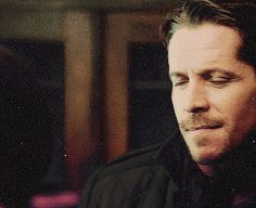 Robin & Regina / Outlaw Queen GIF SET That moment we all thought they were going to kiss.
