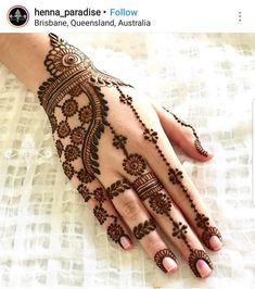 Explore latest Mehndi Designs images in 2019 on Happy Shappy. Mehendi design is also known as the heena design or henna patterns worldwide. We are here with the best mehndi designs images from worldwide. Henna Hand Designs, Dulhan Mehndi Designs, Arte Mehndi, Mehndi Designs Finger, Simple Arabic Mehndi Designs, Mehndi Designs For Beginners, Modern Mehndi Designs, Wedding Mehndi Designs, Mehndi Design Pictures