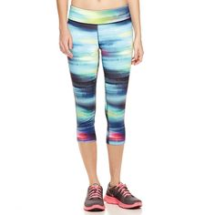 Xersion™ Print Capris ($28) ❤ liked on Polyvore featuring activewear, activewear pants, xersion activewear, xersion sportswear and xersion
