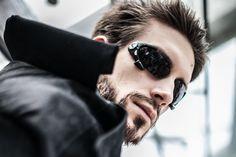 Videros' Adam Jensen cosplay.