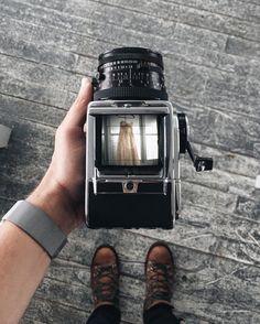 "Benj Haisch on Instagram: ""Hiked to an old fire lookout and photographed an elopement today. It was cold, wet, and amazing. #adventureelopement #throughthehassy #mdandk"" Videocamera, Filmcamera, Luchtfotografie, Camera Spullen, Vintage Camera's, Instagram, Fotografie, Afbeeldingen, Voorwerpen"