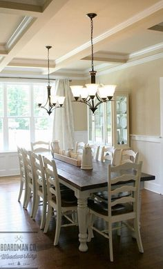 Farmhouse Dining Room Decor Ideas – How do you decorate a dining table when not in use? Farmhouse Furniture, Farmhouse Table, Rustic Table, Farmhouse Ideas, Modern Furniture, Furniture Design, Dining Room Table Decor, Room Decor, Kitchen Tables