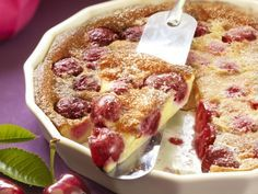 Nice and cold, with half whipped cream Nice and cold, with half whipped cream Food N, Food And Drink, Cherry Clafoutis, Bread Cake, Piece Of Cakes, Mediterranean Recipes, Cakes And More, High Tea, Brunch