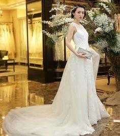 Pin by 瑋苓 洪 on 短髮造型 in 2019 Short Bridal Hair, Hair Arrange, Spring Fashion, Wedding Hairstyles, Short Hair Styles, Dream Wedding, Wedding Dresses, Image, Clothes