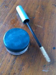 Wasserlösliche Wimperntusche selber machen:Aloe Vera Gel & Aktivkohle