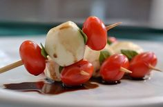 Fiz duas versões dessa saladinha em porções individuais, bem charmosas e super fáceis de fazer, para você servir já no próximo jantar. Confira...