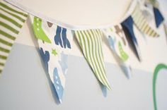 The Thrifty Abode: DIY Pennant Banner