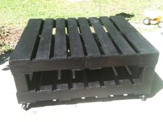 Outdoor Pallet, Indoor Outdoor, Outdoor Living, Gate City, Yard Sale, Pallet Projects, Wood Table, Table Furniture, Wood Pallets