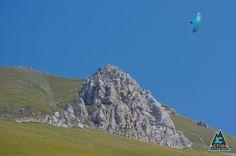 Marvin Ogger in Casteluccio, Italia by Julian Cisterna #Paragliding #Outdoor #Sport - https://www.facebook.com/GraphismKulture