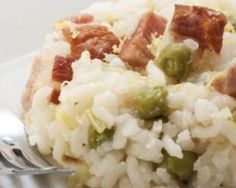 Risotto allégé aux petits pois et lardons au Thermomix© Risotto, Kids Cooking Recipes, Healthy Recipes, Cooking Rice, Thermomix Desserts, How To Cook Rice, Crack Chicken, Japanese Food, Potato Salad