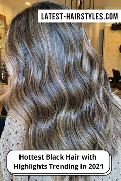 Lighten up your black hair with highlights! Click here to see which types of highlights go perfectly with very dark hair. (Photo credit IG @hair.by.raeden) Black Hair With Highlights, Hair Highlights, Dull Hair, Hair A, Lightening Dark Hair, Lip Contouring, Hair Photo, Latest Hairstyles, Edgy Outfits