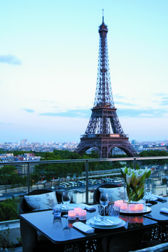 View of the Eiffel Tower from Shangri-La Hotel, Paris Tour Eiffel, Paris Torre Eiffel, Paris Eiffel Tower, Eiffel Tower Dinner, Paris Hotels, Hotel Paris, Shangri La Paris, Shangri La Hotel, Photos Amoureux