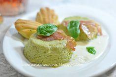 Budino di asparagi verdi con madelaines al basilico e prosciutto croccante su fonduta di pecorino