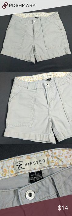 """Khaki Shorts Authentic Jeanswear Hipster Four Pkt. Adorable classic looking khaki shorts. 2 front slat pockets. 2 back cargo pockets. 100% cotton. No stretch.  Waist measures 31"""" around. Length down side 13"""". Inseam 3-3/4"""". Rise 8-1/2"""". See all pictures for material details. Excellent condition. No holes or stains. Smoke free. BLT3 Authentic Jeanswear Shorts"""