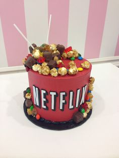 Netflix cake More - Birthday Cake Easy Ideen Cute Birthday Cakes, Birthday Cakes For Teens, 13 Birthday, Birthday Ideas, Teen Cakes, Girl Cakes, Crazy Cakes, Funny Cake, Cake Boss