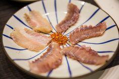 일식집의 생선회와 대게 홍어등    동문 친구들과의 식사...  생선회, 스시, 홍어, 문어, 멍게 새우, 수박 등은 열을 내리고 음기를 보해주는 음식,,,소양인, 태양인등는 체질에 잘 맞습니다.. 장어, 김밥, 은 태음인체질에 잘 맞고요...민어는 소음인 체질에 좋습니다.   생선류는 성인병 예방에도 좋습니다...물론 요즘 방사선에 오염된 생선은 주의하셔야죠...     #체질약선음식건강법 동영상 https://youtu.be/xnyUuLdjSvw  #약선음식 동영상 동영상 https://youtu.be/oXOjd8tNj0w  #사상체질약선음식 http://www.iwooridul.com/sasang/sasang-food  김수범박사의 #맛집 추천 http://www.iwooridul.com/sasang/recommendation-restaurants  김수범박사가 추천하는 한국의 #가볼만한곳 http://www.iwooridul.com/Ho