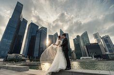 28 Epic Engagement and Pre-Wedding Photos Featuring Breathtaking Cityscape! Pre Wedding Photoshoot, Wedding Shoot, Wedding Ideas, Engagement Photo Inspiration, Couple Posing, Engagement Shoots, Wedding Vendors, Top Artists, Garden Wedding