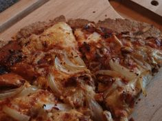 can't stop pinning pizzas.....BBQ Chicken Pizza, Dukan Style