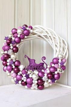 Love this purple winter Wreath Noel Christmas, Christmas Colors, All Things Christmas, Winter Christmas, Christmas Ornaments, Christmas Tables, Burlap Christmas, Coastal Christmas, Christmas Christmas
