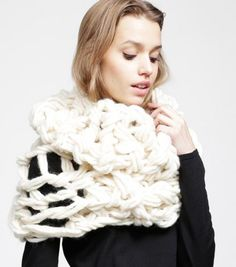 WOOL AND THE GANG 【MOBY SCARF】