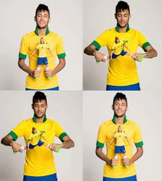 Neymar Jr being incredibly cute! Brazilian Soccer Players, Good Soccer Players, Neymar Brazil, Neymar Pic, Football Fever, World Cup 2014, Best Player, Messi, Role Models
