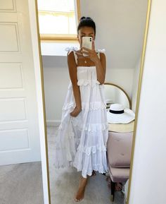 More oversized dresses to come ❤️ Spring Summer Fashion, Spring Outfits, White Summer Outfits, Summer Holiday Outfits, Modest Fashion, Fashion Outfits, Woman Outfits, Honeymoon Outfits, Cute Casual Outfits