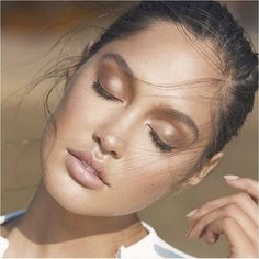 Brilliant -> Natural Makeup Ideas For Green Eyes :-)