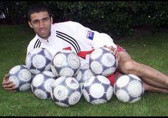Türkiye'nin en golcü futbolcusu Hakan Şükür'ün kaç gol attığını biliyor musunuz?
