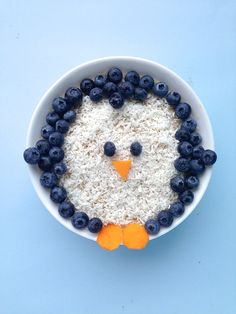 oatmeal with coconut and blueberries = penguin :-D @tutta1234
