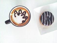 Coffee donut Donuts, Latte, Coffee, Drinks, Instagram, Food, Frost Donuts, Kaffee, Drinking