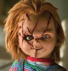 How to make your own homemade Chucky costume from Child's Play. This is a great fancy dress costume but and even better halloween costume idea Chucky Costume For Kids, Chucky Halloween, Scary Chucky, Easy Halloween, Scary Movies, Horror Movies, Horror Movie Costumes, Chucky Makeup, Helloween Make Up