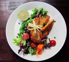 Salaatti nro 96 - Ahvensalaatti marinoidulla fenkolilla. French Toast, Beverages, Beef, Chicken, Breakfast, Food, Meat, Morning Coffee, Essen