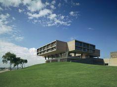 War Memorial Center, Eero Saarinen, Milwaukee, Wisconsin, 1957 — Balthazar Korab