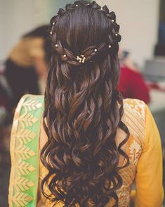 "13.5k Likes, 34 Comments - Indian Wedding (@indian__wedding) on Instagram: ""Must say @aanalsavaliya never fails to give us major #hairstylegoals #weddings #indianbride…"""