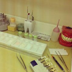 Prótese dentária (mesa de trabalho)