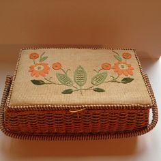 ~VINTAGE WICKER SEWING BASKET/BOX, W/HANDLE..EMBROIDERED~