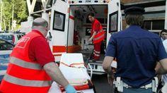 La donna, 34 anni, colpita alle gambe mentre manovrava un transpallet