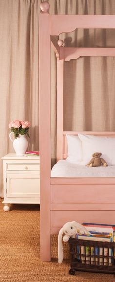 Bradshaw Kirchofer Hudson Canopy Bed @Layla Grayce #laylagrayce #furnishings