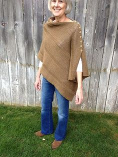 Free knitting pattern for shawl with buttons on edge to convert from a wrap to a poncho -- Poncho Knitting Patterns, Shawl Patterns, Knitted Poncho, Knitted Shawls, Loom Knitting, Crochet Shawl, Free Knitting, Knit Crochet, Bolero